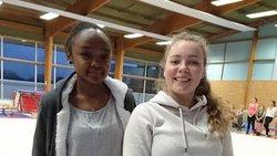 Deux jeunes volontaires en service civique