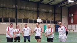 Volley : RAS 4 joue les gros bras… pour la photo (cliquez)