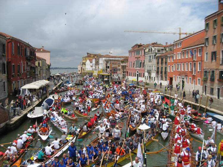 http://s3.static-clubeo.com/750/uploads/aviron-basse-indre/sport_event/souvenir-v-nitien-8__n39f57.jpg