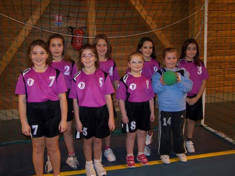- 11 filles