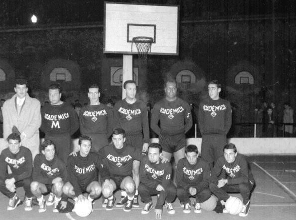 AAC-BSQ-Equipe de 1960 (campo de Sta.Cruz).jpg