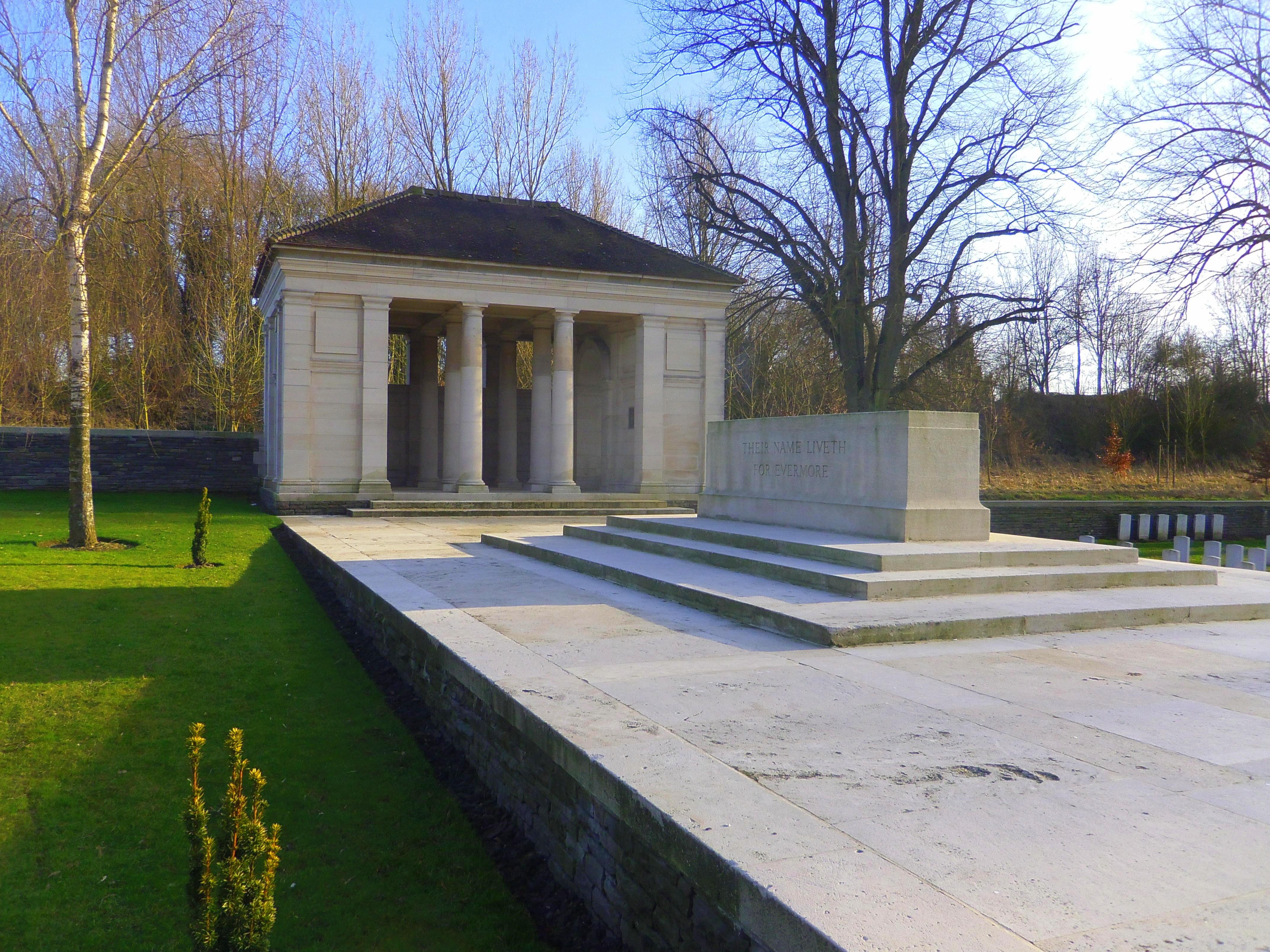 croisilles monument