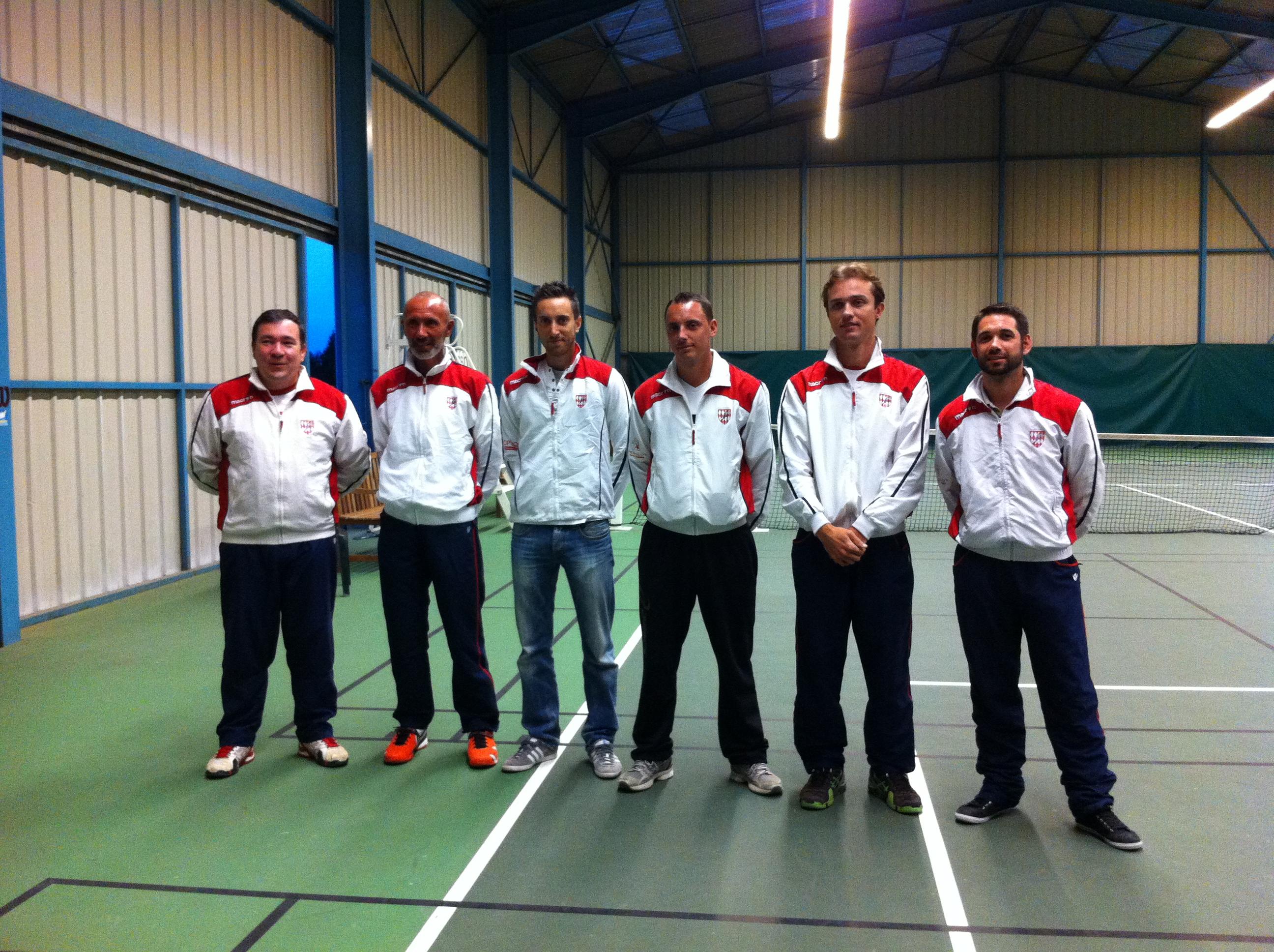 Le président Eric Joris et les enseignants Franck, Thomas, Christophe, Mickael et Jonathan