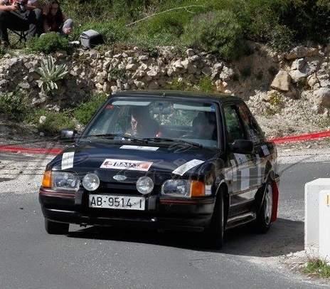 Ford Scort - 1597 cc - 1989