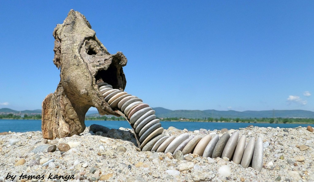 Sculpture bois et galets