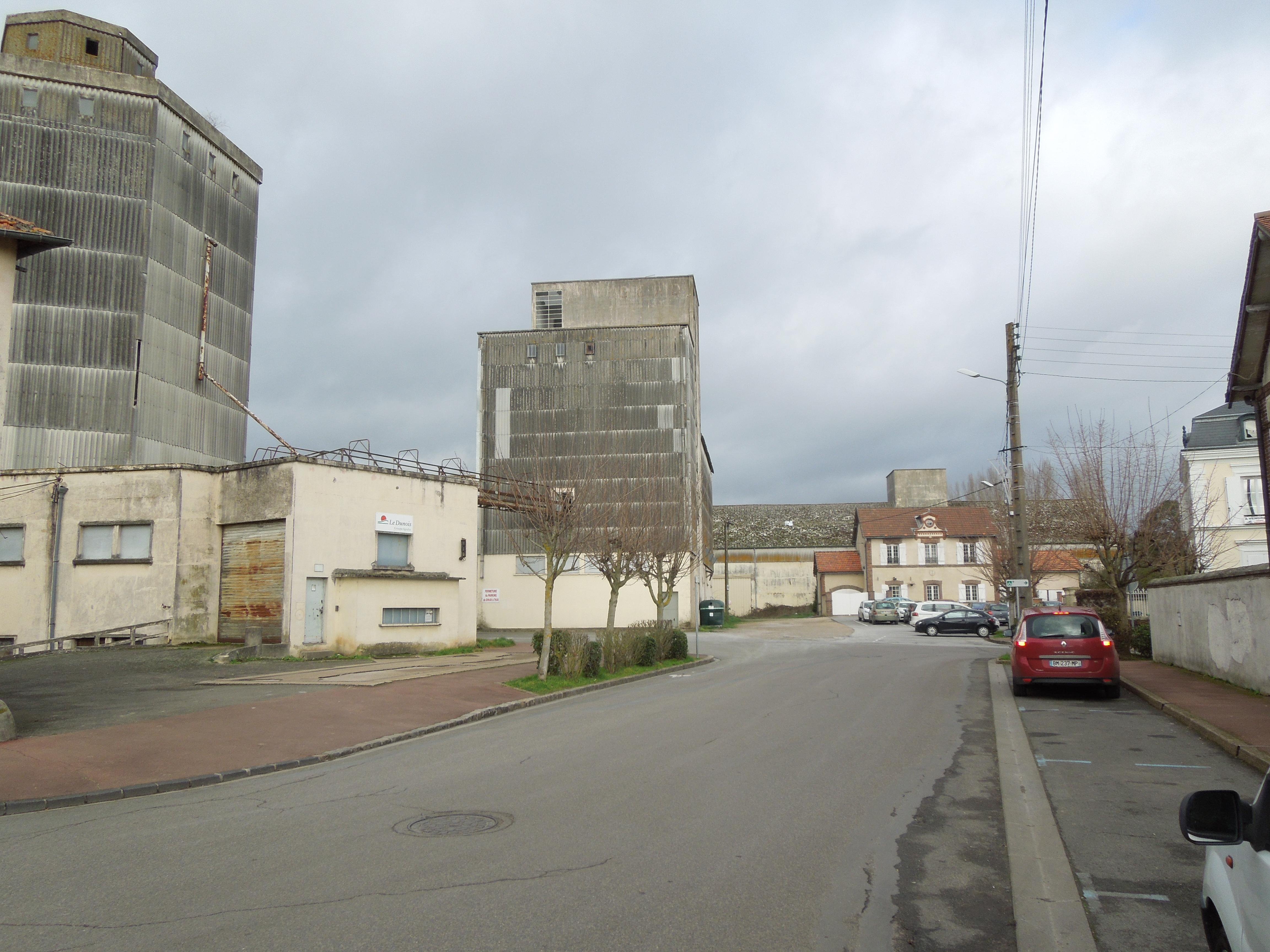 RDV à l'ancien silo près de la gare